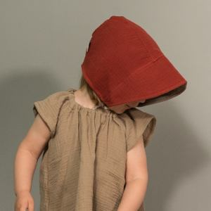 Bonnet – Haube aus Musselin – rostorange