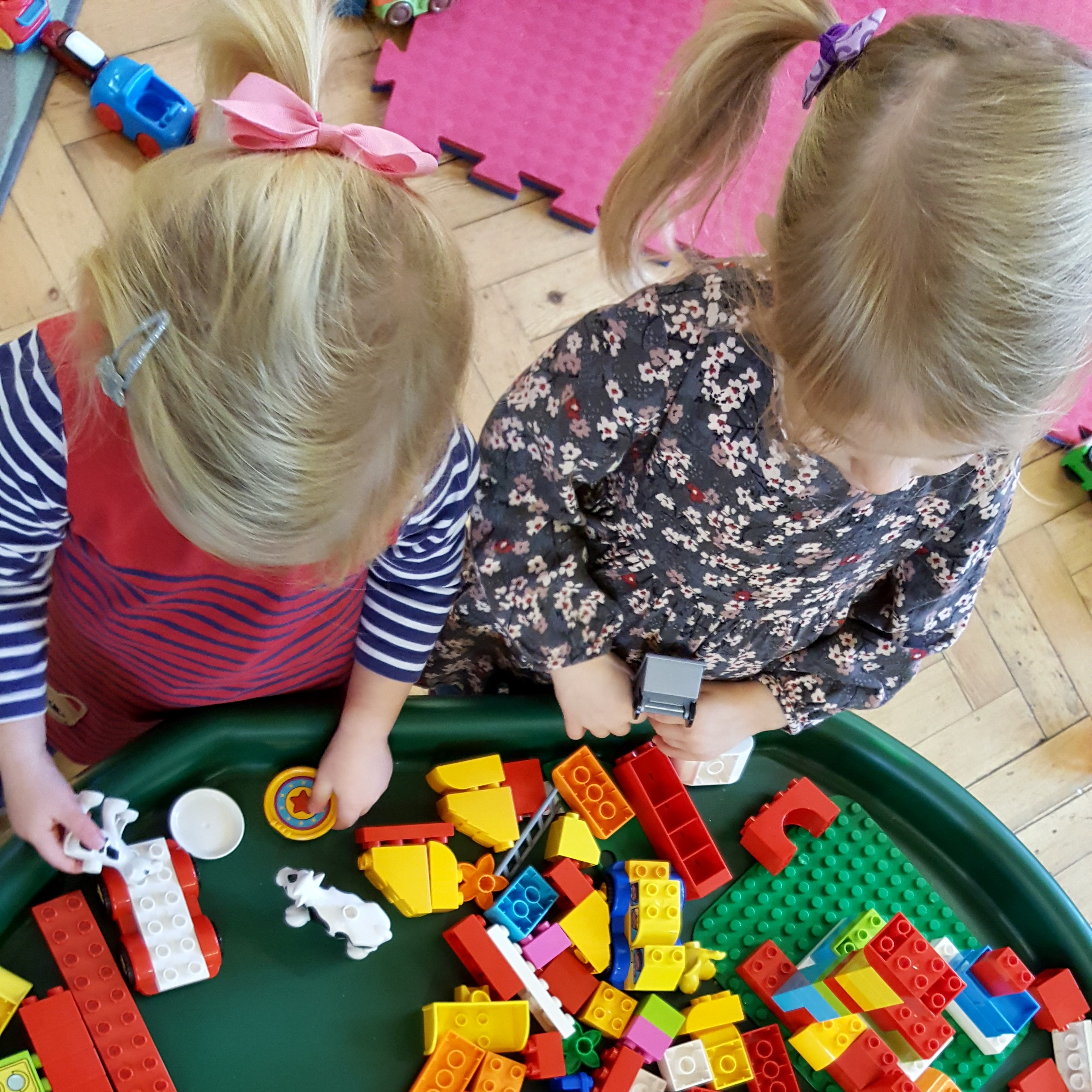 Buying Christmas gifts for twins without causing arguments