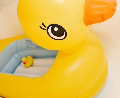 Munchkin, munchkin brand, product review, duck, rubber ducky, bath, bath time, baby bath