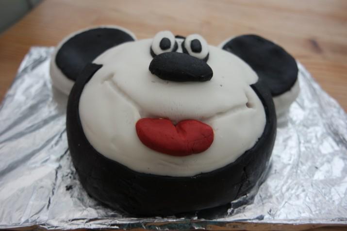 Recipe A Mickey Mouse Birthday Cake Mummyconstant