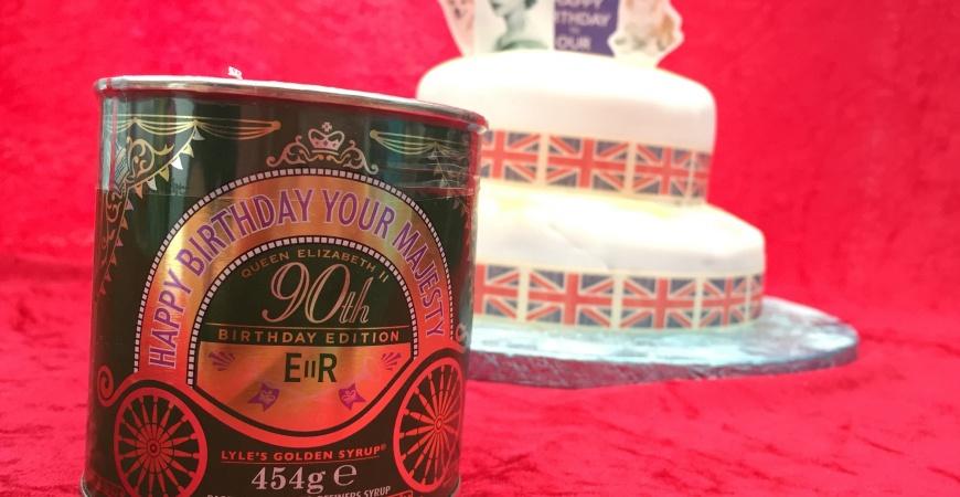 Her Majesty's 90th birthday cake #LylesRoyalCake