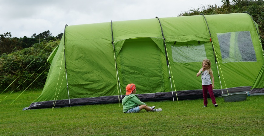 How to plan an unforgettable camping trip with children