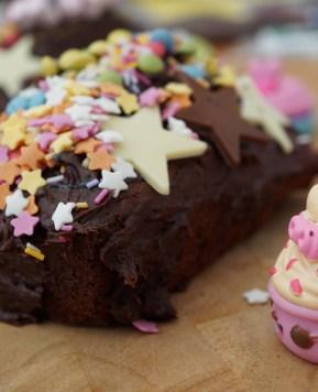A Num Noms kind of Chocolate Cake #Nationalchocolatecakeday