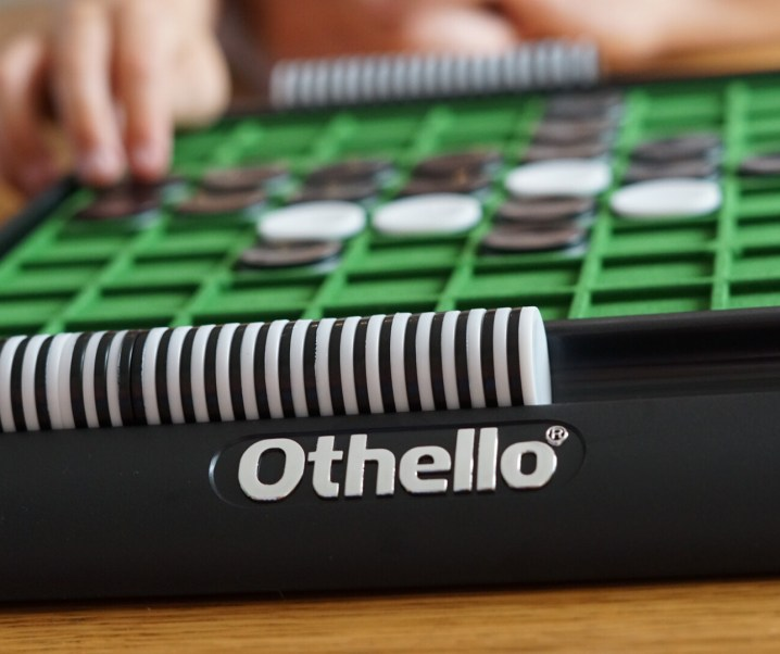 Win Othello to celebrate the Junior Othello Championships