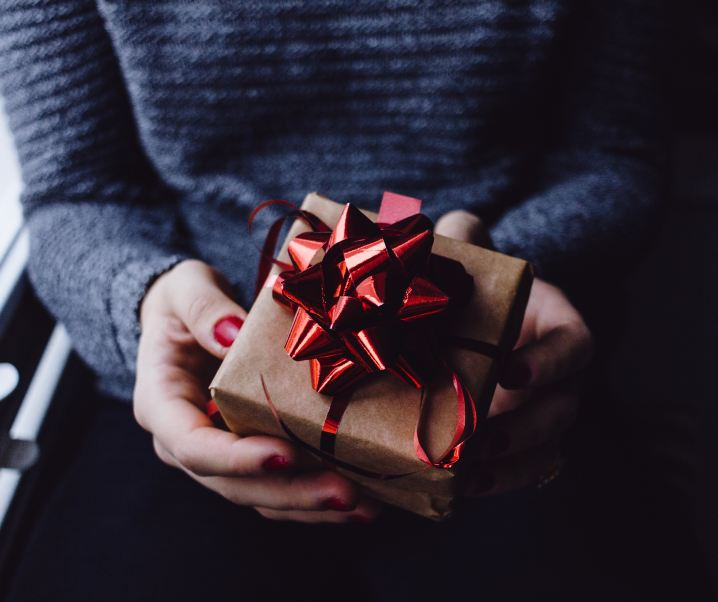 How to buy gifts for fussy friends and family members