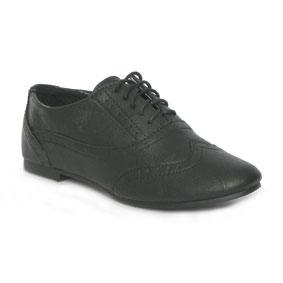 Brogues, shoes, kids shoes, childrens shoes, black brogues, laces