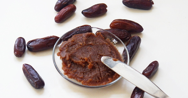 Date Paste – A Natural Sweetener That is Also Good For Babies