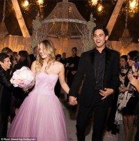 Angelina Jolie Wedding Dress  mummy/why