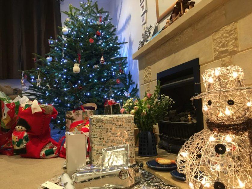 Christmas Day, Christmas presents, Christmas tree, Christmas decorations