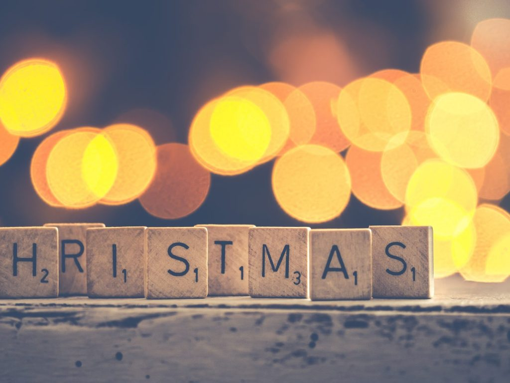 10 Ways to Have a Frugal Christmas