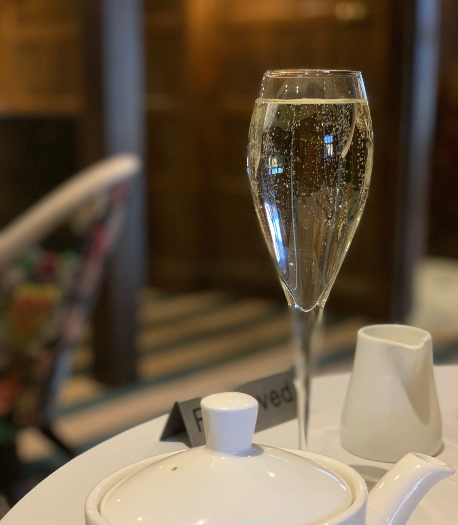 Mums Off Duty, Festive Afternoon Tea at Hotel Cromwell