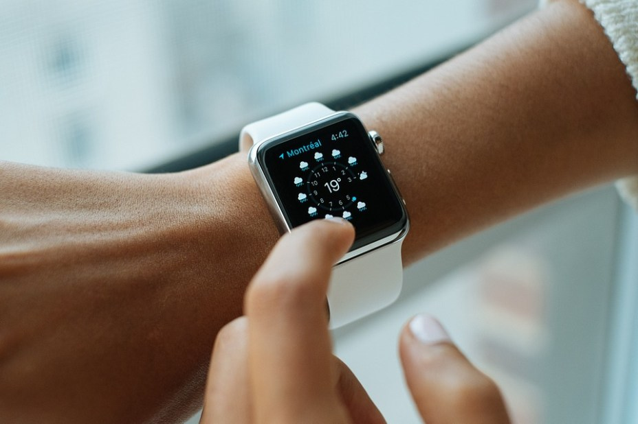 Apple Watch SE Unveiled with Series 5 Design, Starts at $279