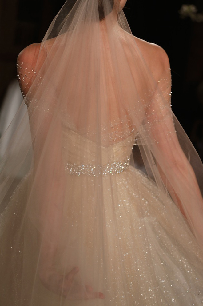 Wedding-dress-romona-keveza-2014-11-RK534-03-CloseUp-High-Res2