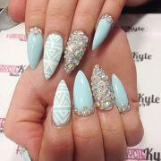 10 'something blue' stiletto nail