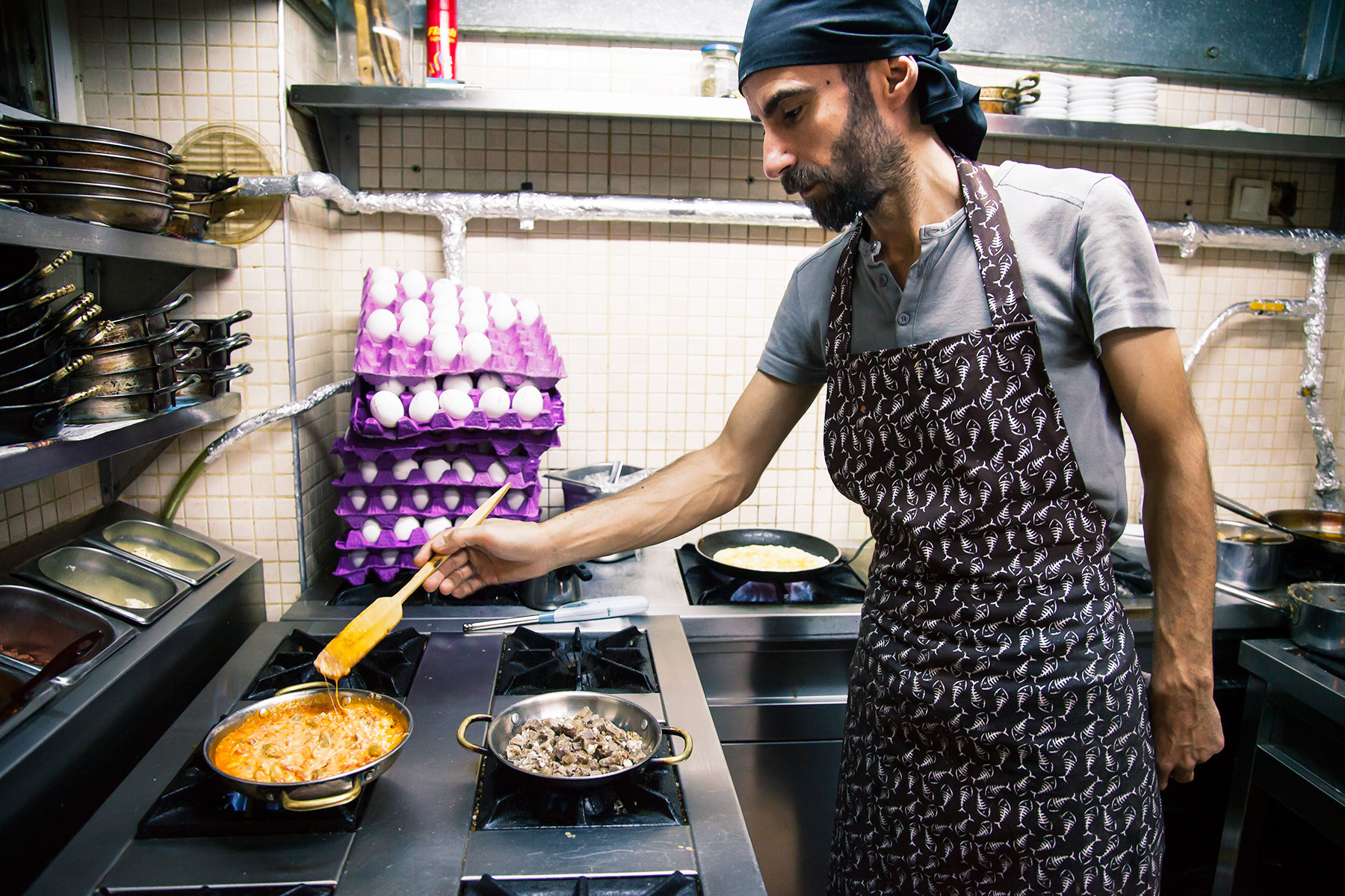 One-of-the-cooks-at-Van-Kahvalti
