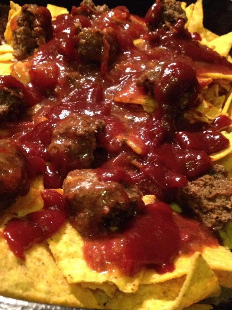 Nachos with meatballs