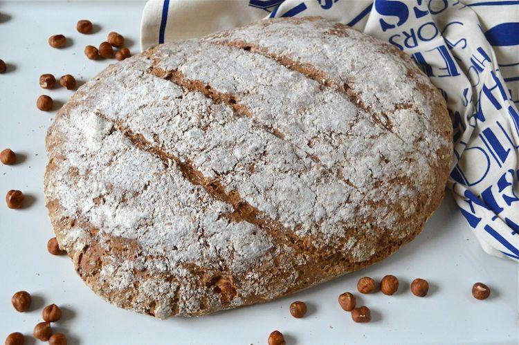 apple-hazelnut-spelt-rye-sourdough-bread-1