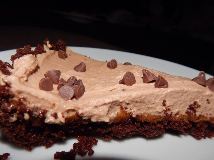 peanut butter and nutella cream pie