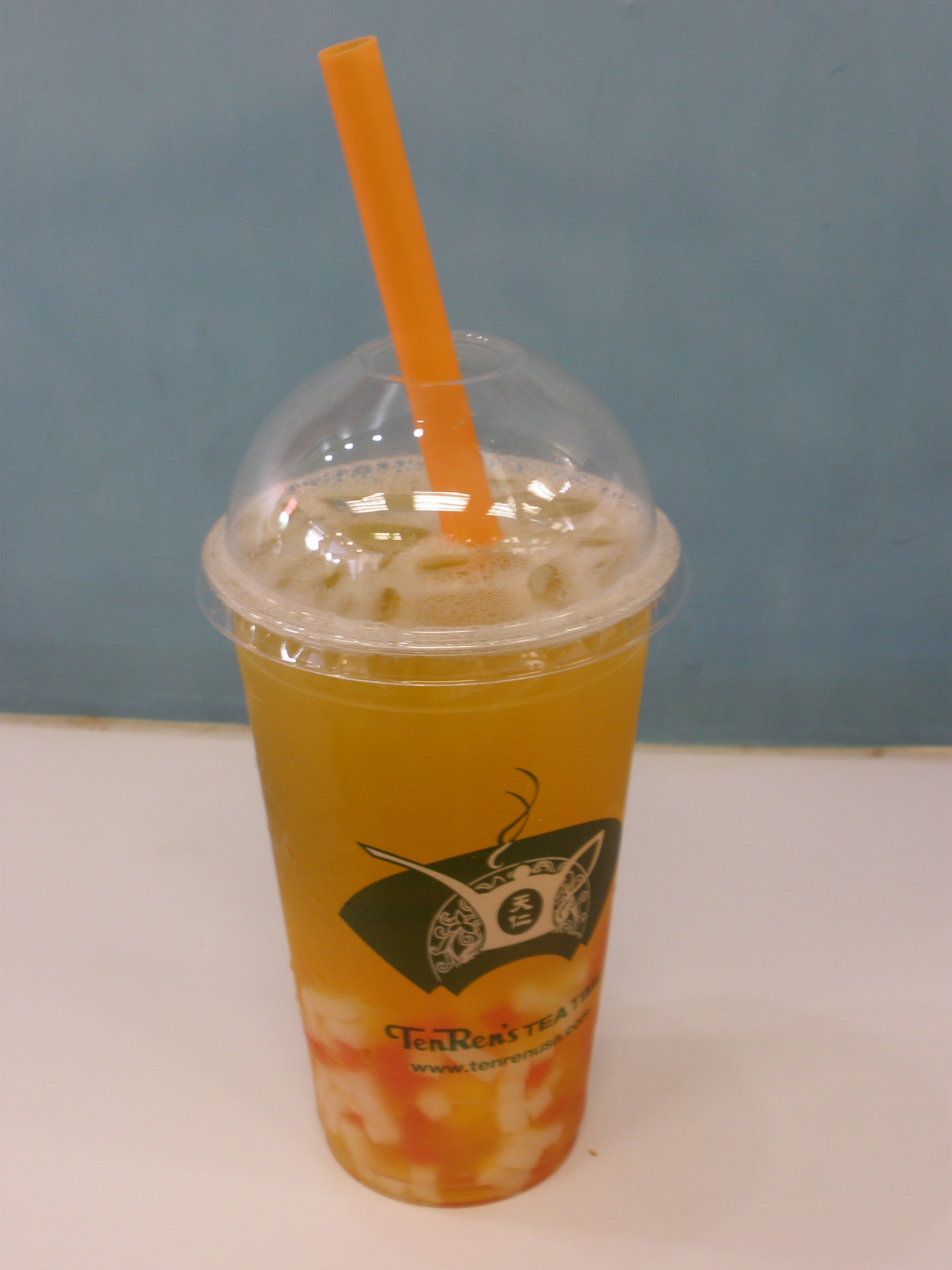 Peach Bubble Tea, or should I say Peach Jelly Tea. Yes, I do color coordinate my straw with my drink.