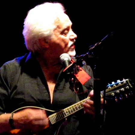 Benny Gallagher Plays Backstage in Kinross