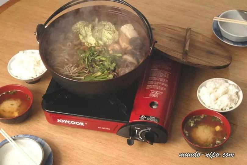 Sukiyaki à moda tradicional japonesa (Foto: Mundo-Nipo/ Restaurante Tanaka Maria Rosa)