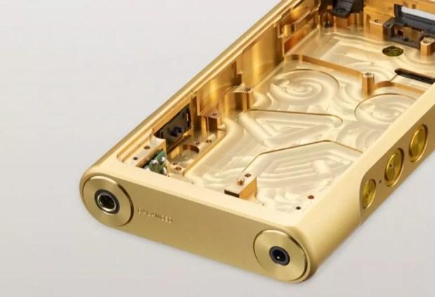 O corpo de cobre banhado a ouro ajuda a reduzir ruídos (Foto/Divulgação)