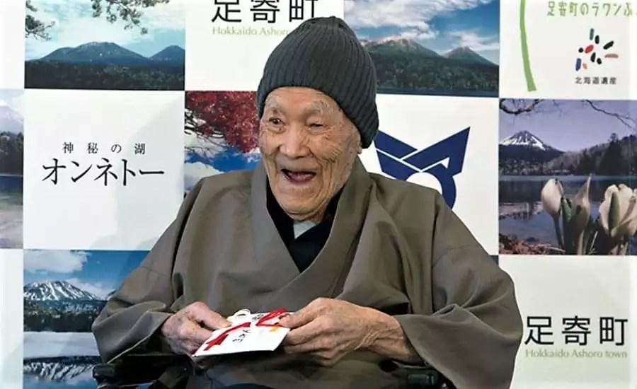 Guinness Book: japonês é agora o homem mais velho do mundo