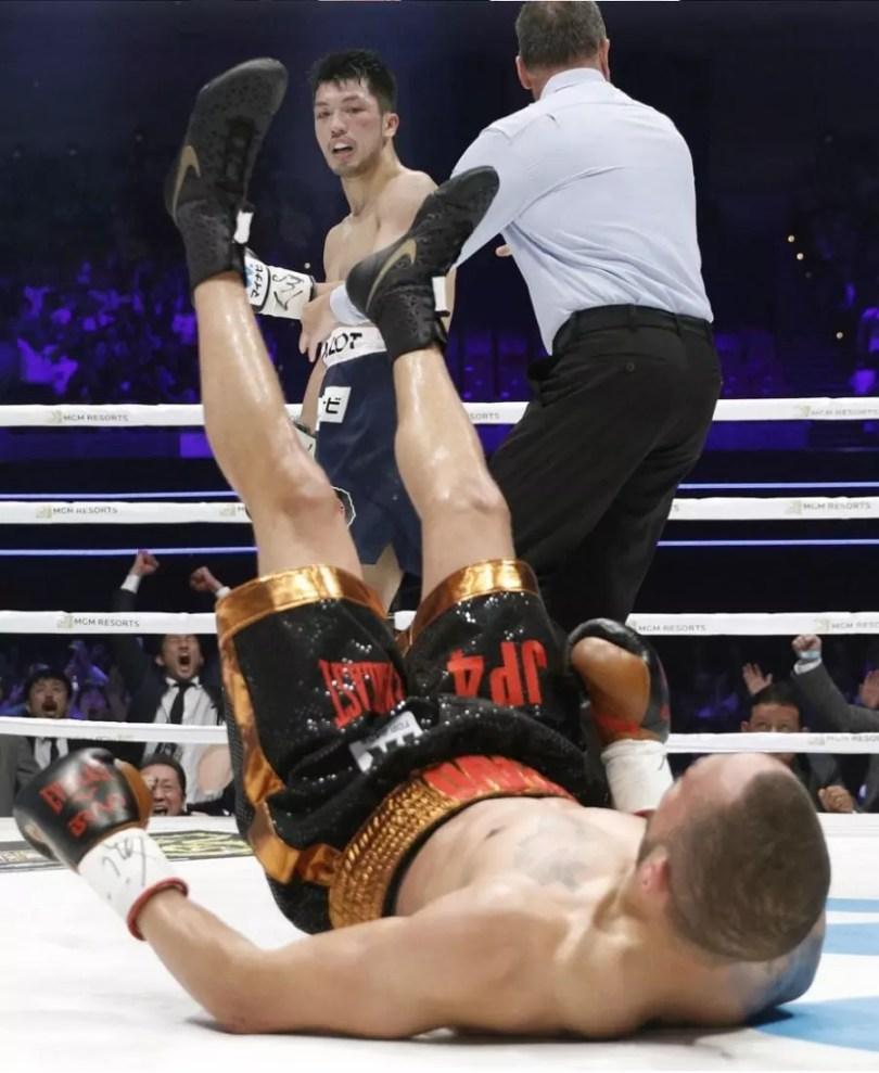 Murata derrubou Brant no segundo round | Foto: Reprodução / Kyodo