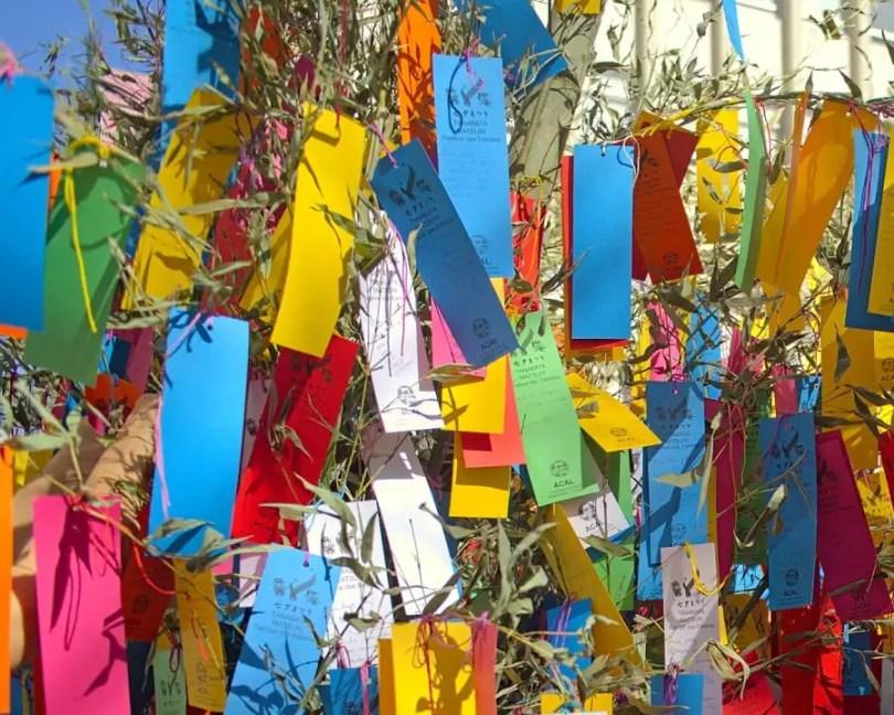 Pedidos em tanzakus no Festival das Estrelas na Liberdade | Foto: Kim S.M / MigraMundo