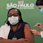 Enfermeira de SP recebe 1ª vacina contra a Covid-19 no Brasil