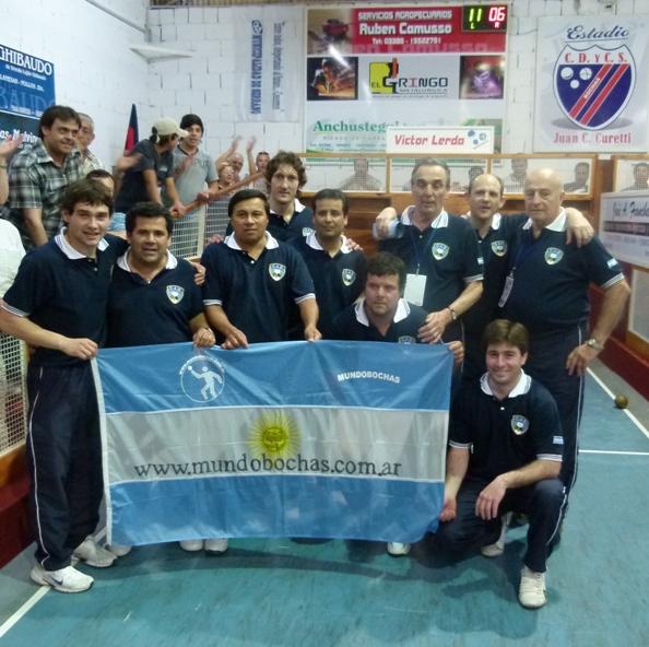 argentina_campeon_sudamericano_2011_equipo_con_bandera_mundobochas