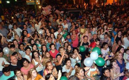 claromeco_festejo_gente