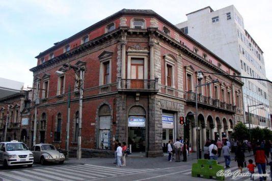 Fotografía de: CoCo García - Paseo por la Sexta Avenda, Zona 1.