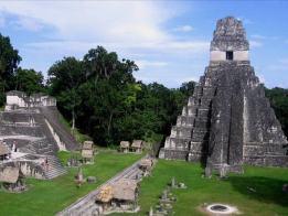 Tikal. Fotografía de Alfred Cabrera.