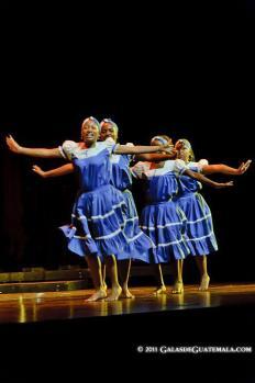 Baile tradicional garifuna - foto por Maynor Marino Mijangos.