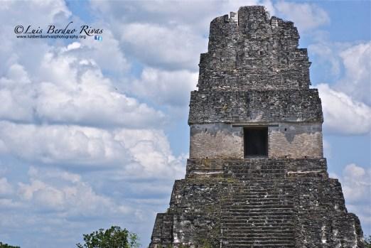 El Gran Jaguar Tikal foto por Luis Berduo Rivas1 - El Gran Jaguar en Tikal - pirámide Maya