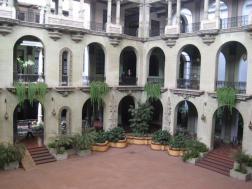 Foto por Yolanda Mejia Parte de adentro del Palacio Nacional. - Guía Turística - Palacio Nacional de la Cultura, Guatemala
