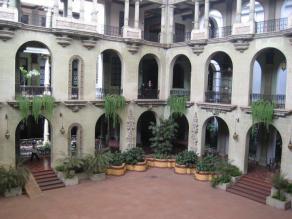 Foto por Yolanda Mejia - Parte de adentro del Palacio Nacional.