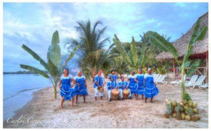 Los Embajadores de Izabal los Garifunas en la bahia de Amatique foto por Carlos Cordon - Livingston, hogar garífuna en Guatemala