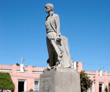 Monumento a Manuel Tot parque central de Coban foto por Jora Jora - El Origen de Cobán, Ciudad Imperial
