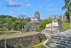Tikal Templo II foto por Luis Berduo Rivas - Fotos de Construcciones de los Mayas y sus Descendientes