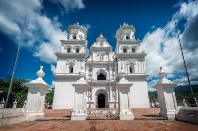 Templo de Nuestro Señor de Esquipulas, Chiquimula - foto por Maynor Marino Mijangos