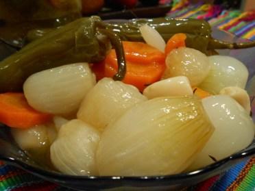 Cebollas en escabeche - foto por Irasema Mont