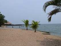 Playa Dorada en el Lago de Izabal