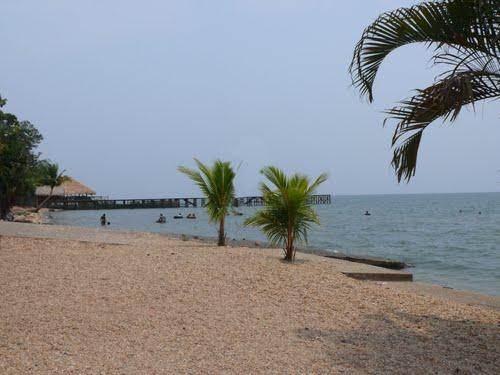Playa Dorada en el Lago de Izabal - Mundo Chapín