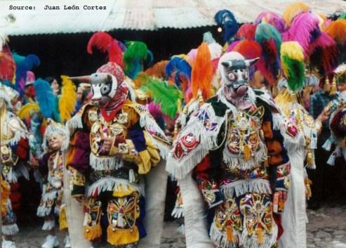 Baile del Torito. Fotografía de Juan León Cortez - La Tradición de La Danza del Torito