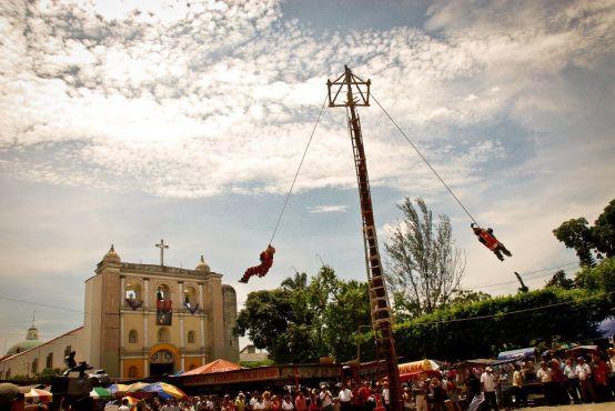 Palo Volador en Mazatenango foto por Christopher Ovalle - La Tradición del Palo Volador