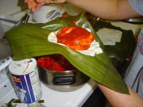 Preparando Tamales foto por villigetraveler.com  1024x768 - Receta para hacer Tamales