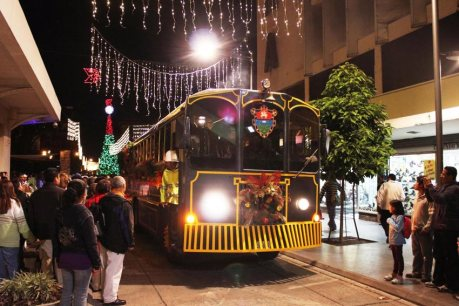 trolley 1 - Trolley bus para del Paseo de la Sexta y el Paseo Jocotenango
