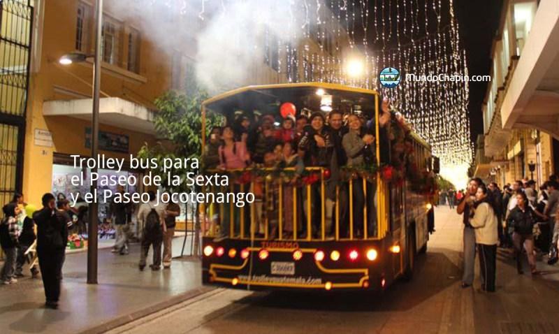 Trolley bus para del Paseo de la Sexta y el Paseo Jocotenango